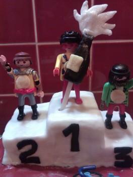 podium cake 3